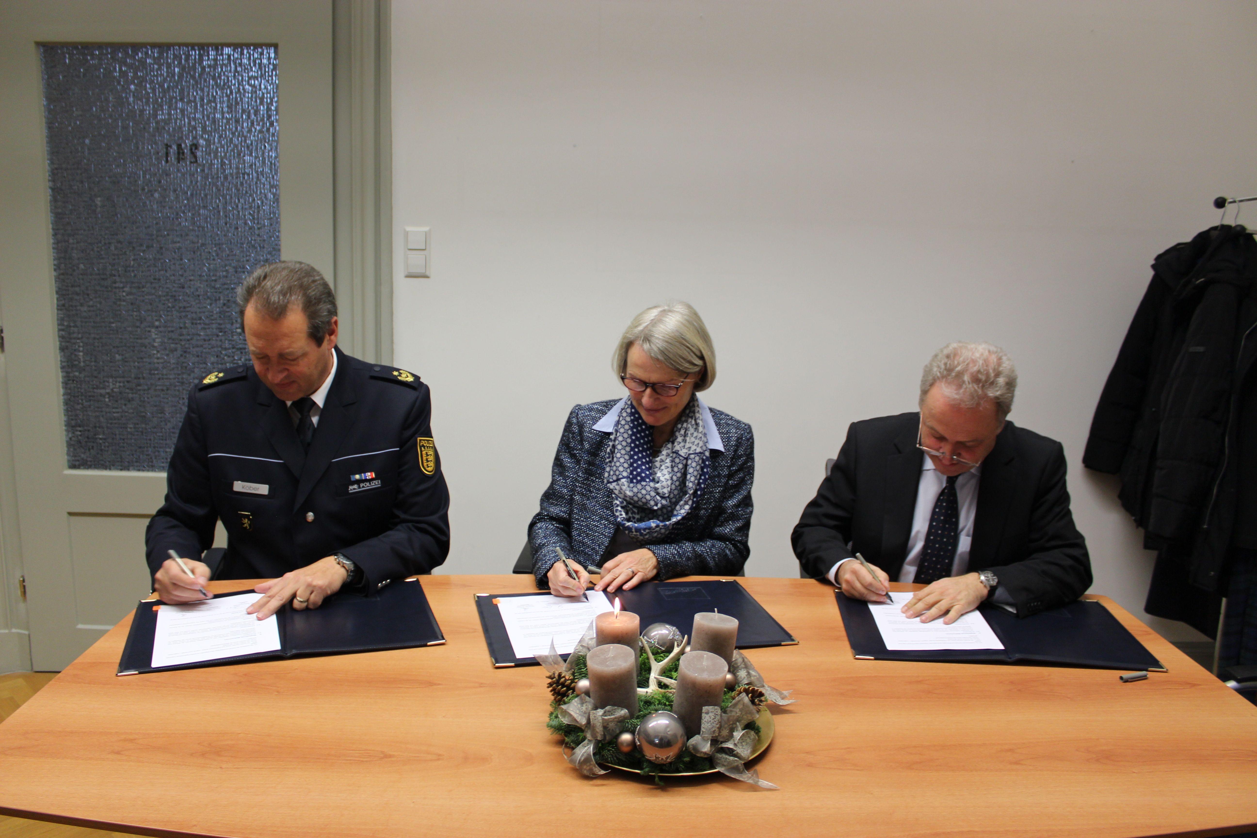 """Unterzeichnung der Kooperationsvereinbarung für das """"Haus"""